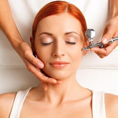 Подвижен уред за почистване на кожата с кислород